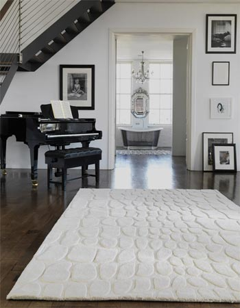 Enhance your interior with White and Cream Rugs